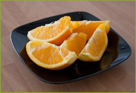 Partimos la naranja en trozos