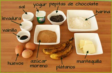 Ingredientes para hacer bizcocho de plátano con pepitas de chocolate