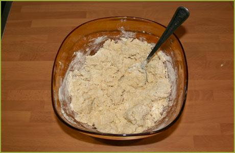 Añadir la harina y la sal