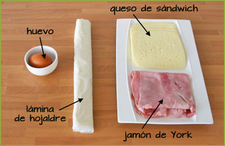 Ingredientes para hacer las palmeritas de jamón y queso