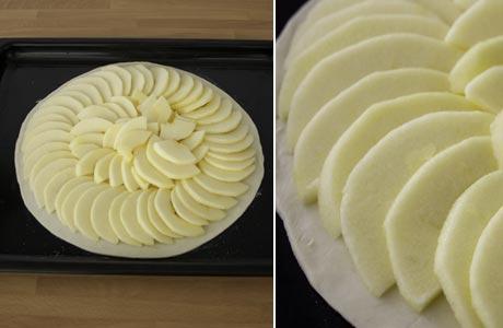 Colocar los gajos de manzana sobre el hojaldre