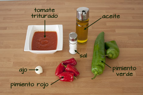 Ingredientes para hacer el sofrito del arroz caldoso