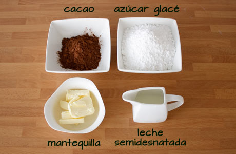 Ingredientes para hacer buttercream chocolate negro