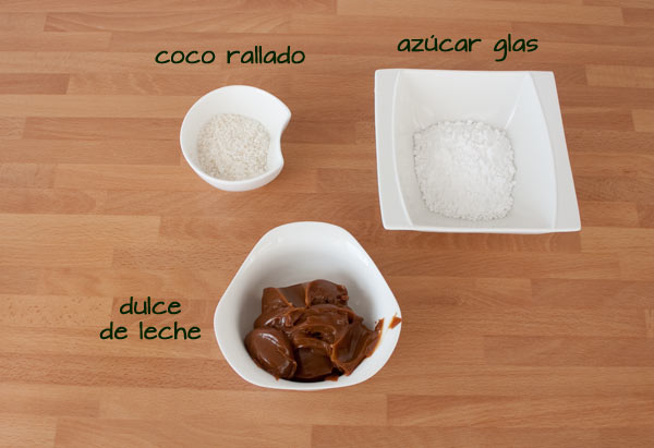 Ingredientes para decorar los alfajores de maicena