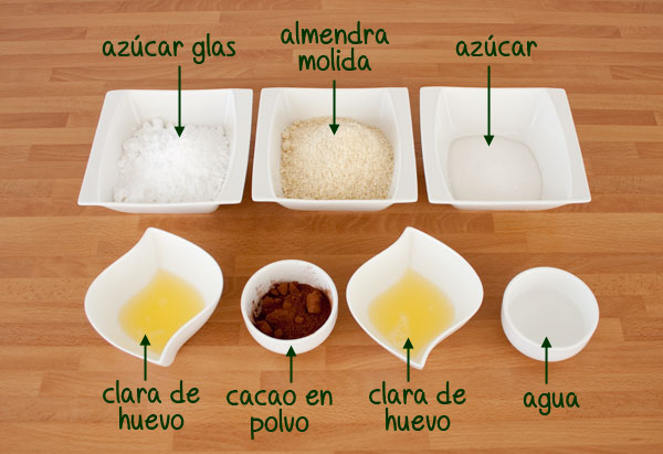 Ingredientes para hacer macarons de chocolate rellenos de chocolate blanco