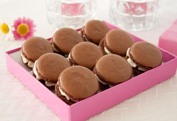 Y ya tenemos listos estos deliciosos macarons rellenos de mousse de chocolate blanco