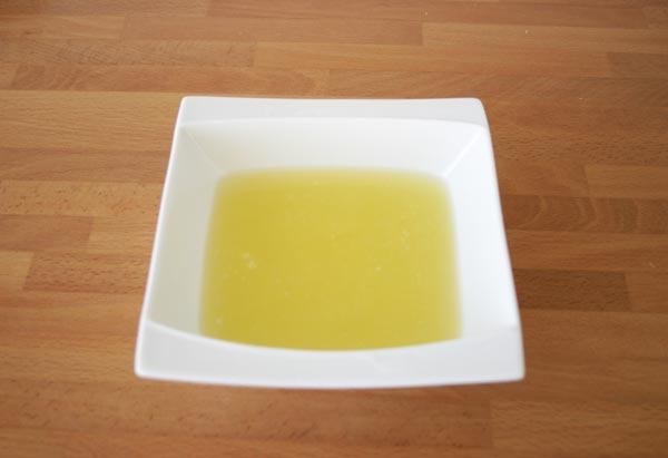 Exprimir el zumo de los limones
