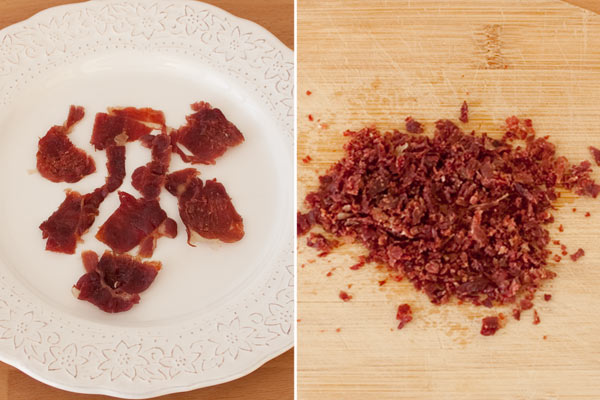 Secar el jamón en el microondas y triturarlo