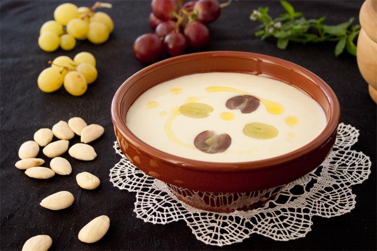 Ajoblanco malagueño receta tradicional