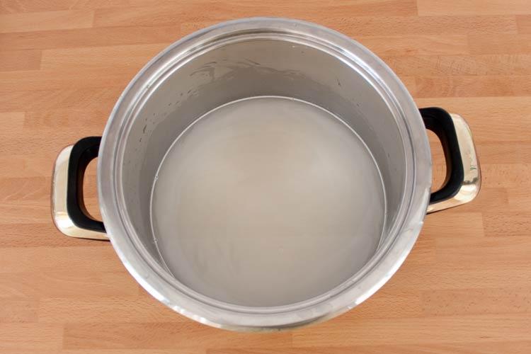 Lavar el arroz basmati en agua fría