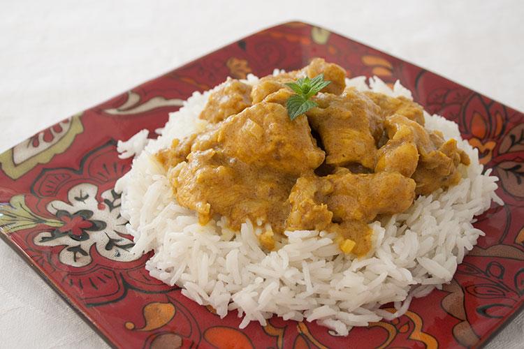 Pollo al curry con arroz basmati fácil de hacer
