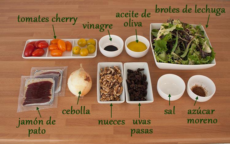 Ingredientes para hacer ensalada con jamón de pato y cebolla caramelizada