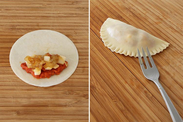 Rellenar las empanadillas de sobrasada y queso y sellar sus bordes con un tenedor
