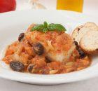 Receta de bacalao con tomate, pasas y piñones