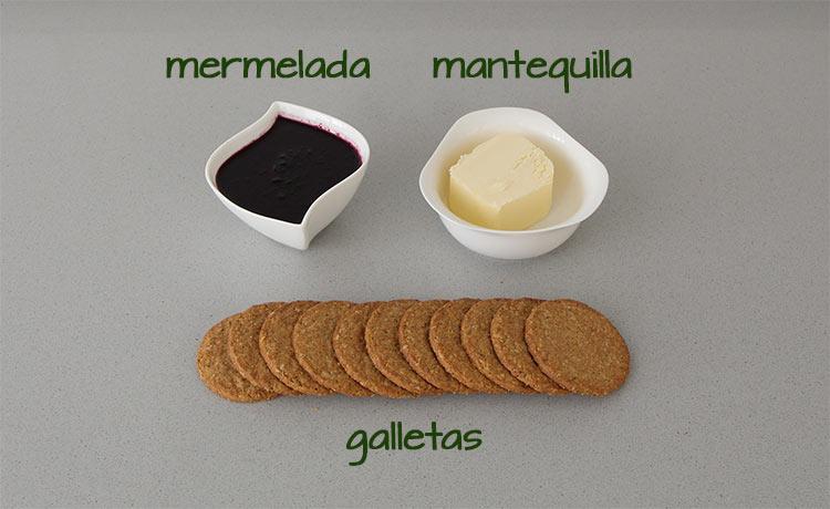 Ingredientes para hacer la base de la tarta y decorarla