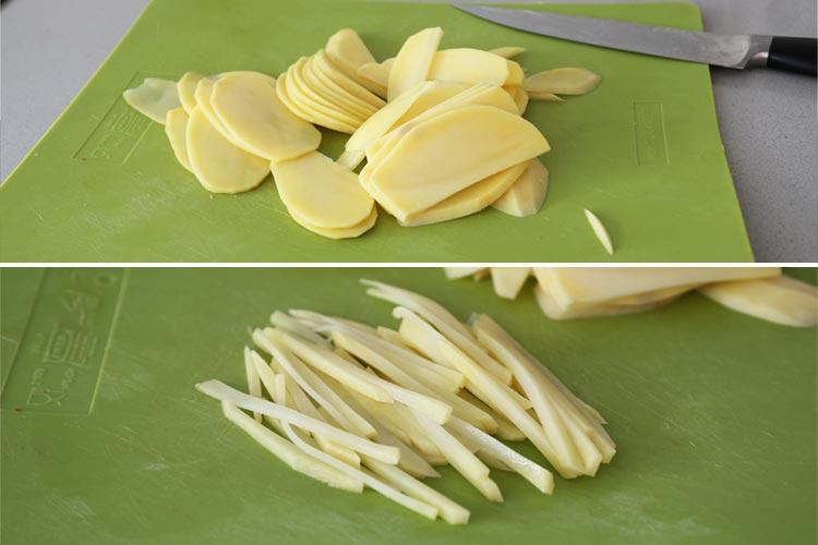 Cortar las patatas en bastoncitos finos
