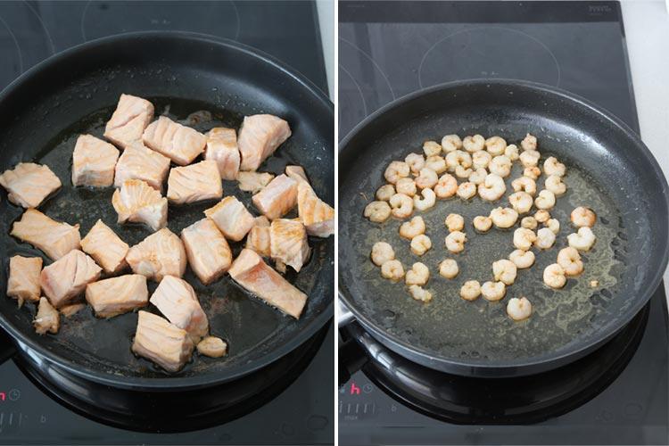 Saltear en la mantequilla el salmón y las gambas