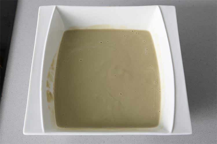 Hasta obtener una crema de alcachofas fina y suave