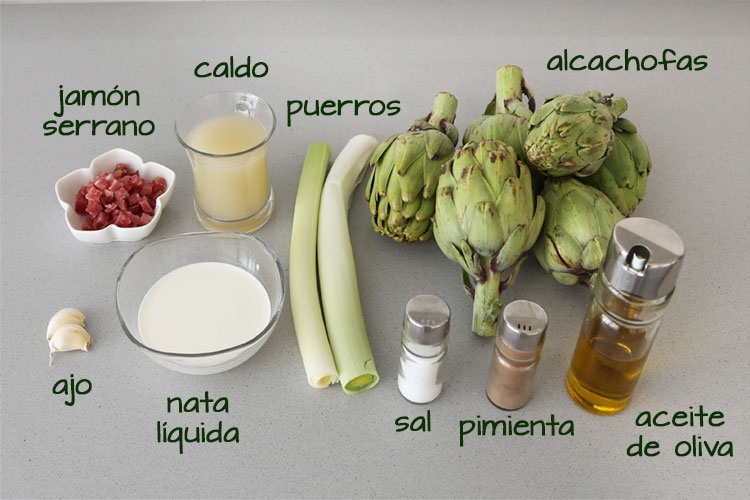 Ingredientes para hacer crema de alcachofas con jamón