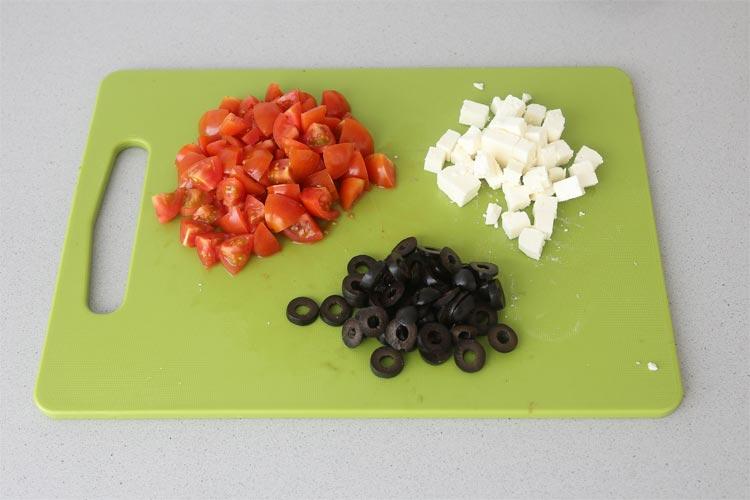 Picar los ingredientes del relleno