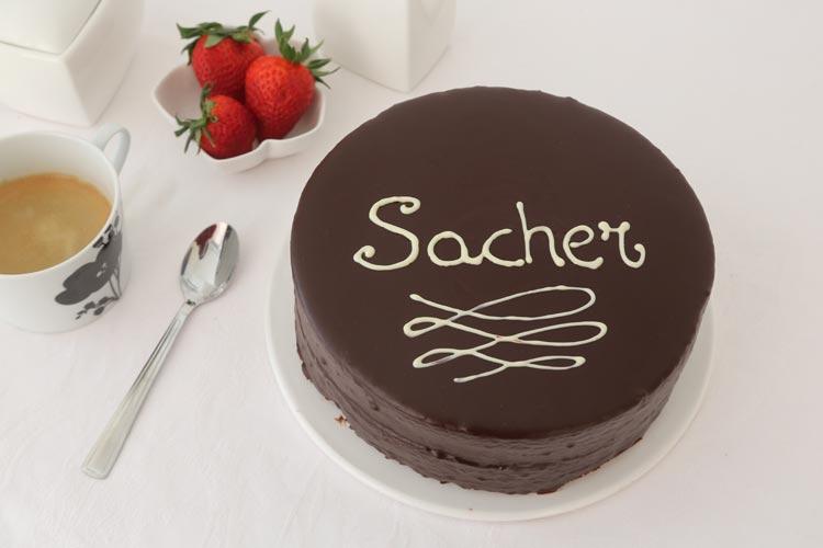 Tarta Sacher glaseada