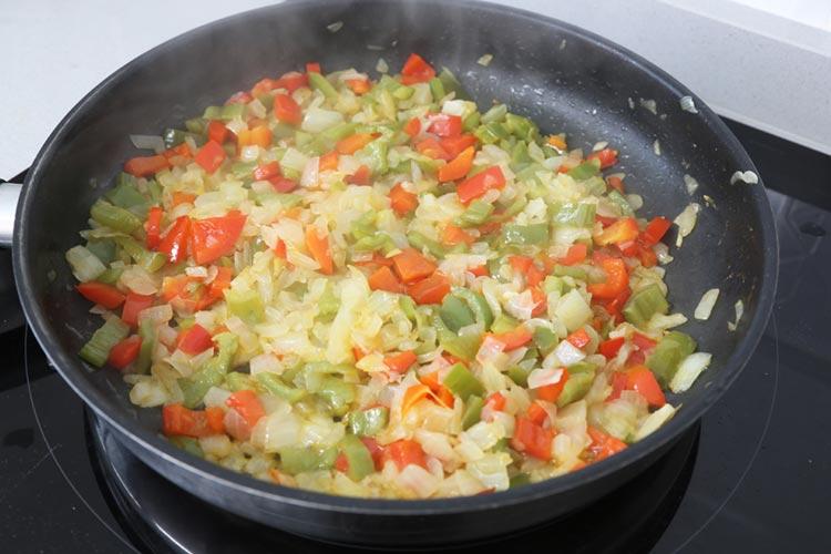 Pochar hasta que la verdura este tierna