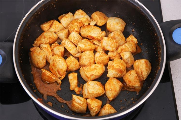 Dorar el pollo tikka masala