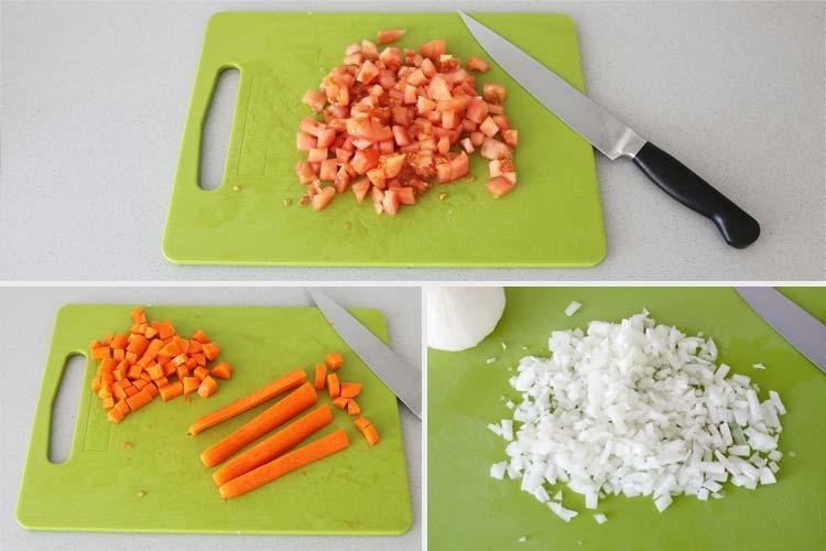 Picar las verduras del guiso