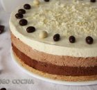 Tarta mousse de tres chocolates