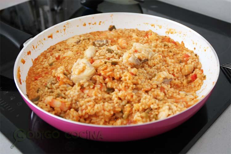 Reposar el arroz meloso