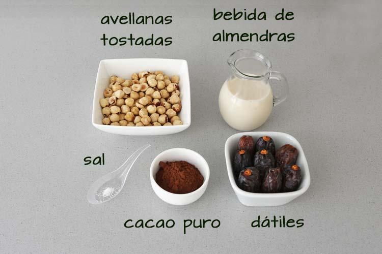Ingredientes para hacer crema de cacao vegana