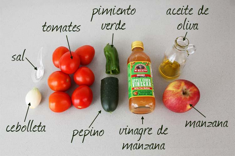 Ingredientes para hacer gazpacho de manzana
