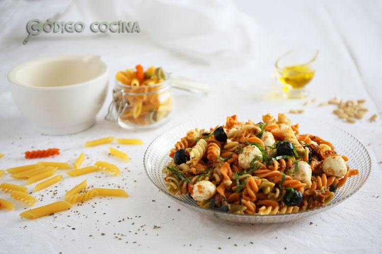 Ensalada de pasta y mozzarella