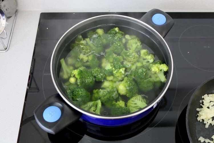 Cocer el brócoli
