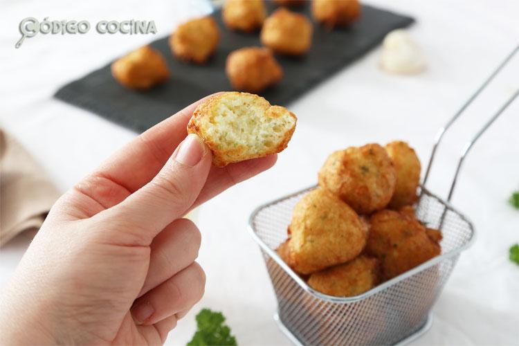 buñuelos de bacalao esponjosos