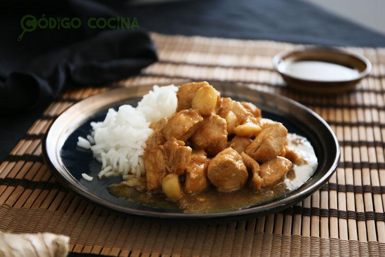 Acompaña el pollo agridulce con un poco de arroz basmati