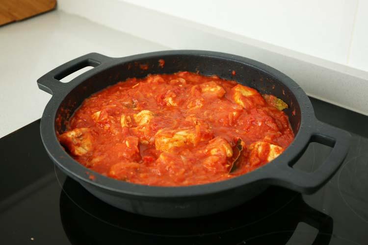 bonito del norte en salsa de tomate