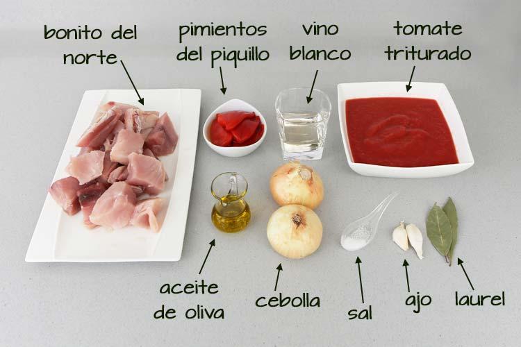 Ingredientes para hacer bonito con tomate
