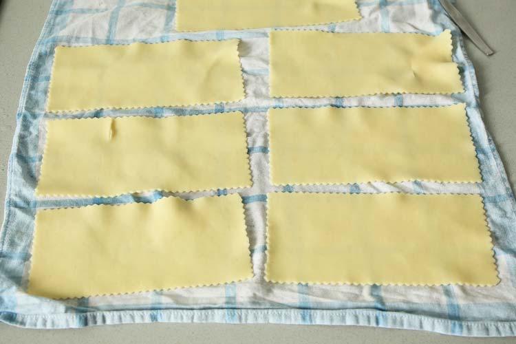 Cuece las placas de lasaña