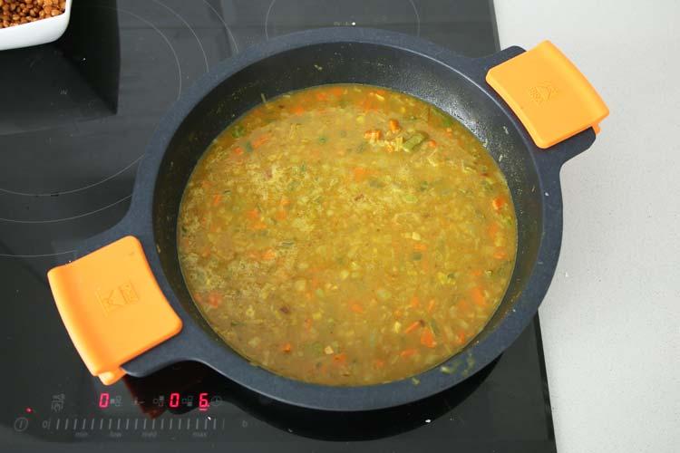 Añadir el caldo de verduras
