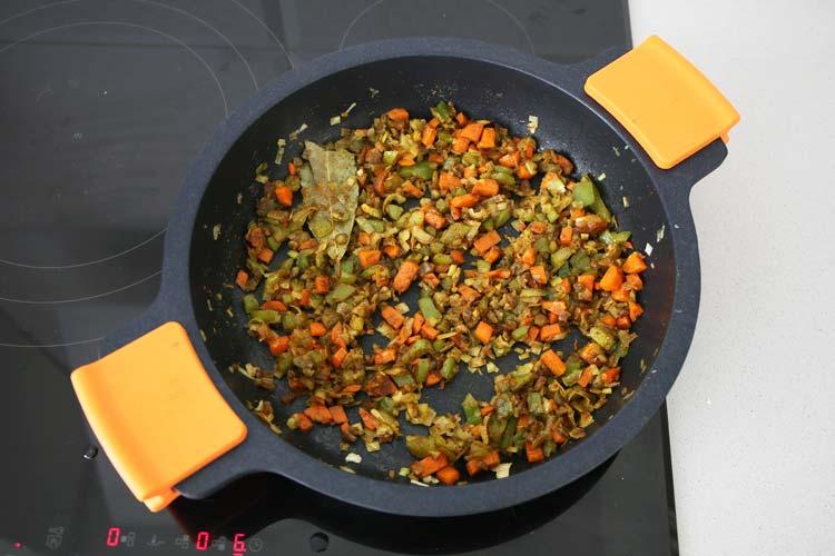 Sofrito de verduras al curry