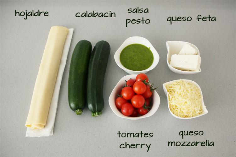 Ingredientes para hacer tarta de hojaldre con calabacín y tomate