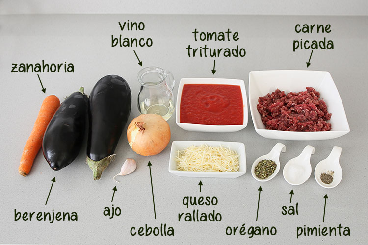 Ingredientes para hacer berenjenas rellenas de carne