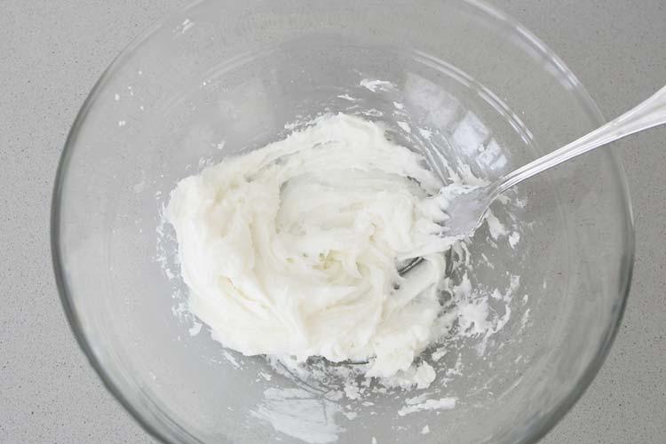 manteca y azúcar mezcladas