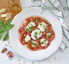 Ensalada de tomate, burrata y pesto