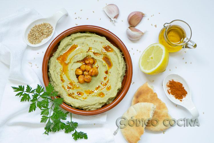 Hummus de garbanzos y aguacate