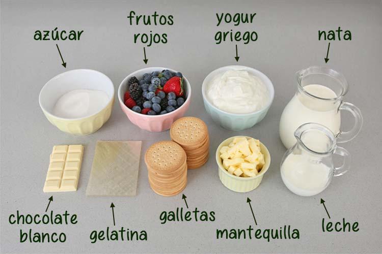 Ingredientes para hacer tarta de yogur y frutos rojos