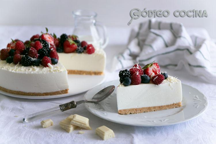 tarta de yogur con frutos rojos
