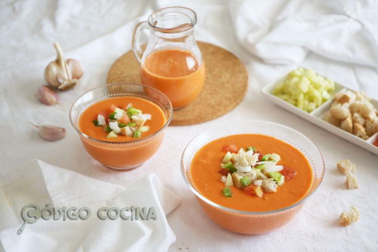 Gazpacho andaluz, receta tradicional