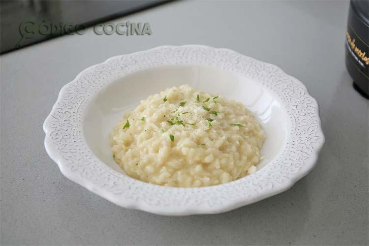 risotto a la parmesana recién hecho